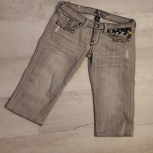 Antique Rivet distressed grey wash capris